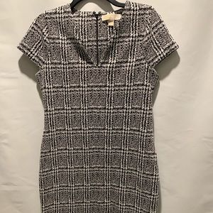 Michael Kors blk/what dress size L